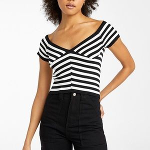 🌸2/$20🌸Two toned striped bustier sweater